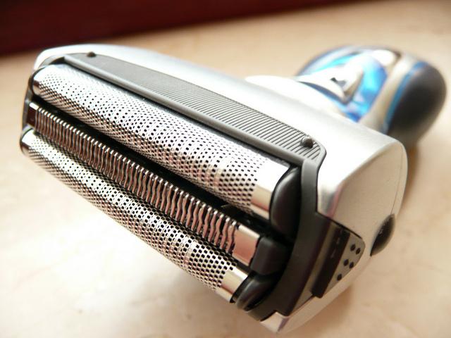 electric-razor-foil.jpg (640×480)